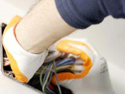 Asesora a tu cliente en seguridad del cableado eléctrico